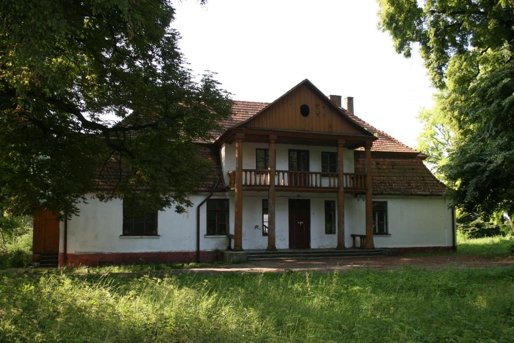 Zespół dworski z XIX-XX wieku w Janowiczkach