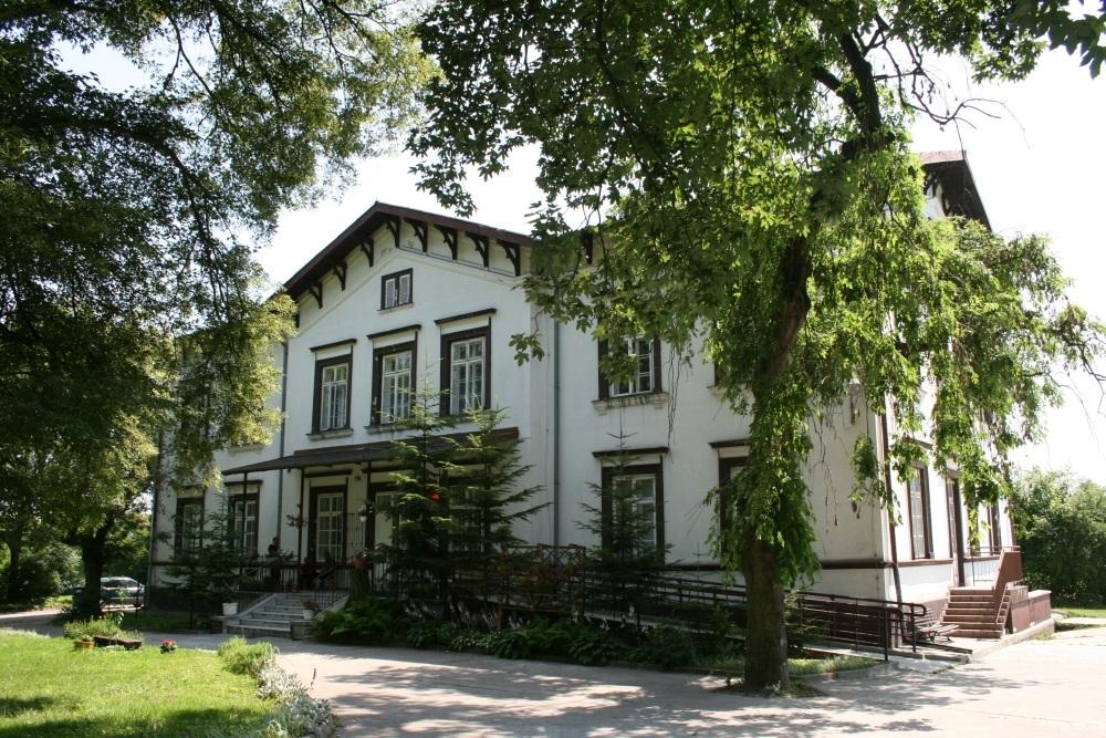 Pałac Zdziechowskich w Rzędowicach z początku XX wieku